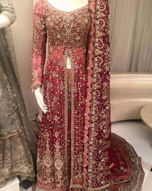 #bridalwear #bride2016 #lehenga #pakistan #indian #onlineorder #pakcouture #desifashion #pakistanioutfits #lahorestreetstyle #fashion #2016 #dulhan #pakistanidesigner #dressyourface #whatiworetoday #desibeautyblog #hudabeauty #asianbridesblog #zukreat #instalike #hellopakistan #flairy #asianwear #pakistan #fashion