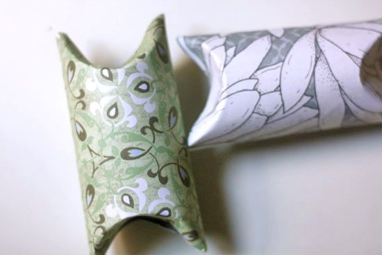 Upcycling_Toilet_Tube_Gift_Box: Tube Gifts, Gift Boxes, Idea, Toilets Paper Rolls, Paper Gifts, Toilets Rolls, Crafts Blog, Toilets Tube, Gifts Boxes