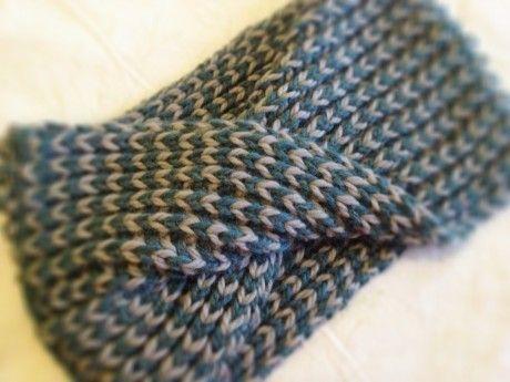 Loop Knit Lounge: Free Misti Chunky Cowl Pattern!