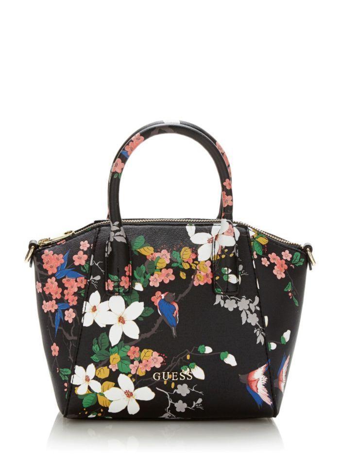 日本未入荷♪新作ハンドバッグ♪花柄がオシャレ♪ ハンドバッグとしてもショルダーバッグとしてもお使いいただけます。ショルダーストラップは取り外しと長さ調節が可能です。ファスナー部分が大きく開くので収納力は抜群。内側にもファスナー付きのポケットがあります。  ☆ご注文が確定されてから即日買付、発送いたします。 (日曜祝日はドイツ国内すべての店舗が休業のため買付できません)  ☆ドイツ国内のGUESS直営店で買付しますので、100%正規品です。安心してお買い求めください。  ※お手元に届くまで10日から14日が目安になります。 (郵便事情によって遅れる場合もありますのでご了承下さい)  ※追跡のできる方法で発送いたしますが郵送中の紛失や破損には対応できません。万一の配送事故を補償する「あんしんプラス」のご加入をお勧めしております。 詳しくは下記をご覧ください。 http://www.buyma.com/contents/safety/anshin.html…