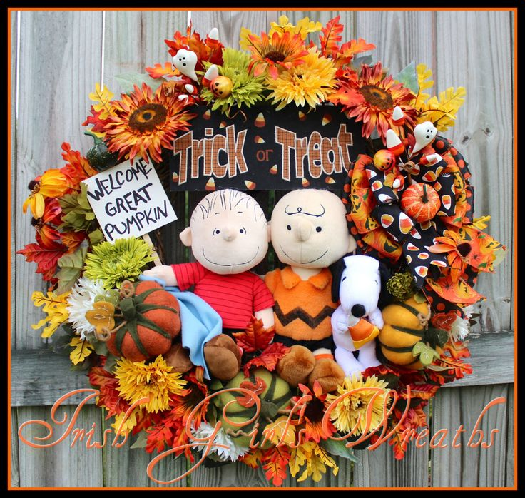 Great Pumpkin Wreath, Large Charlie Brown Wreath, Peanuts Halloween Wreath, Welcome Great Pumpkin Sign, Linus, Snoopy, Charlie by IrishGirlsWreaths on Etsy