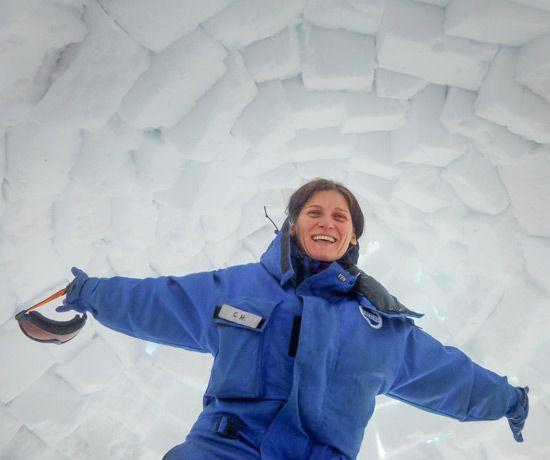 "Chiara Montanari, ingegnere, esperta in Innovation Management e Team Building in ambienti estremi, autrice di ""Cronache dai ghiacci: 90 giorni in Antartide"""