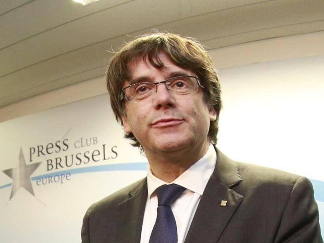 Il leader catalano ha parlato da Bruxelles: «Non sono qui a chiedere asilo politico,»