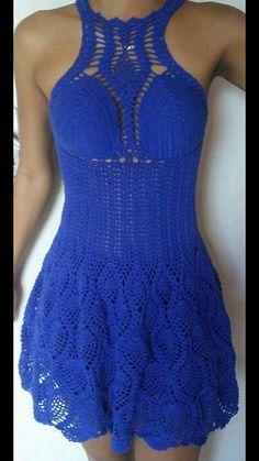 Hermoso vestido tejido en azul