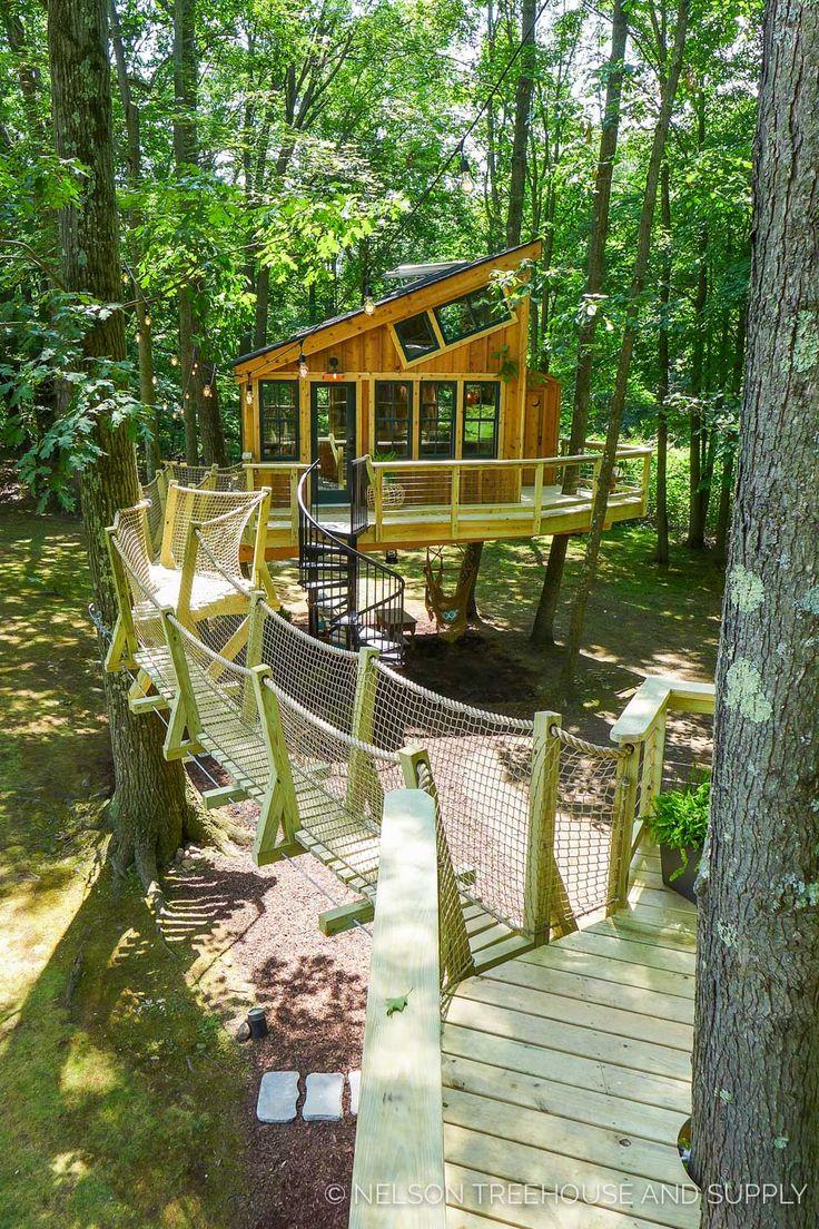Grace VanderWaal's treehouse - Pete Nelson
