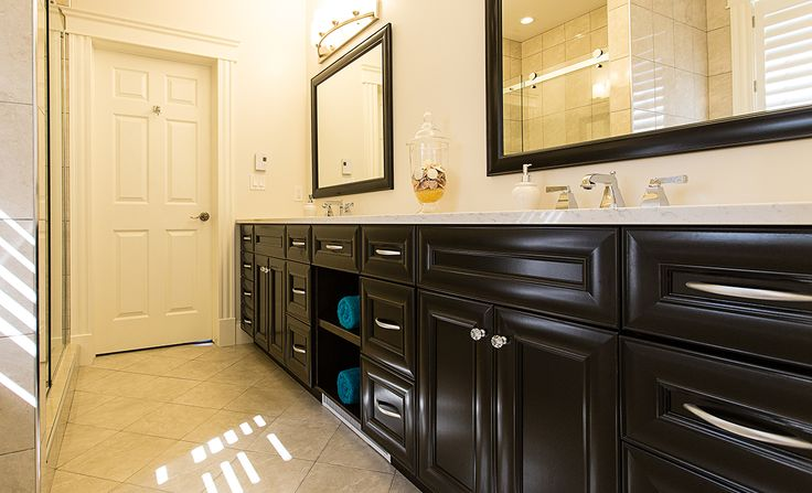pop of color in a beautiful dark finished vanity