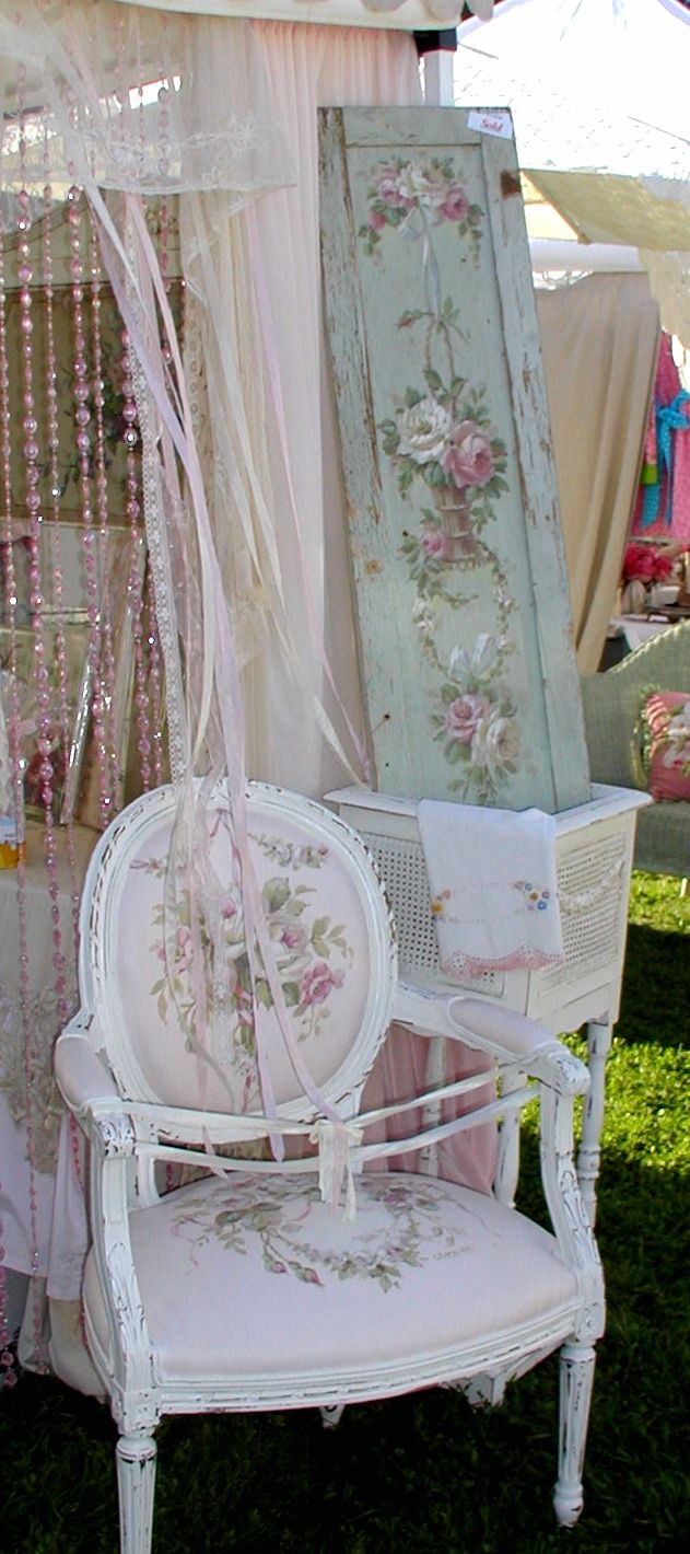 Second Hand Shabby Chic Bedroom Furniture 17 Best Images About Romantic Furniture On Pinterest Romantic