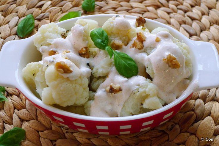 Het is weer tijd voor een bloemkool recept! Karnibahar salatasi, of Turkse bloemkoolsalade: dat is weer eens wat anders dan de Hollandse bloemkool-met-het-papje! ~ minder koolhydraten, maximale smaak ~ www.con-serveert.nl #lowcarb #koolhydraatarm #tarwevrij #glutenvrij #gf #vegan #zolekkerkanhetook #bloemkool #salade #bijgerecht