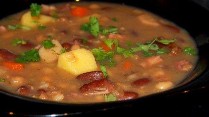Uzená hrstková polévka