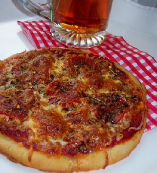 12 Great Gluten-Free Half-Time Party Recipes: Gluten-Free Pepperoni Pizza