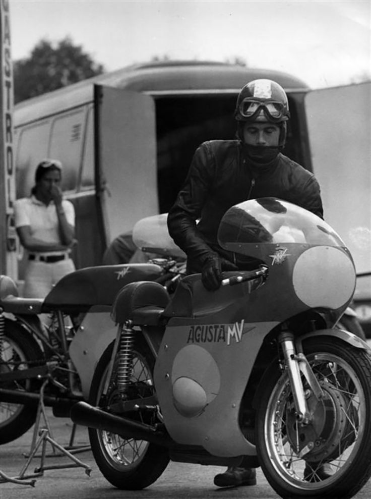 The old day's-Giacomo Agostini-MV Agusta