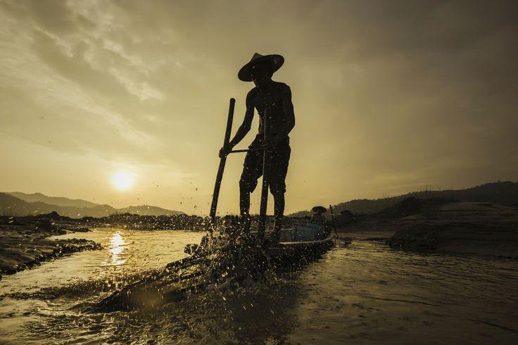 Fishermen Life by Visoot Uthairam