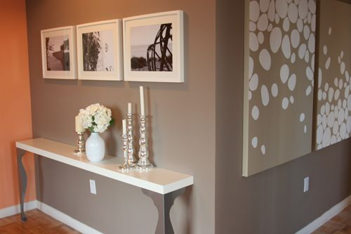 grey grey grey: Wall Art, Entry Tables, Consoles Tables, Wall Color, Wall Tables, Grey Wall, Grey Grey, Accent Wall, Grey Paintings