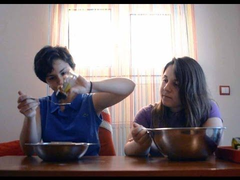 ▶ Food Challenges, with my cousin Peppie! - YouTube