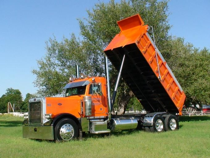 1999 Peterbilt 379-127 Dump Truck. My dad had one similar to this. But it was blue and black.