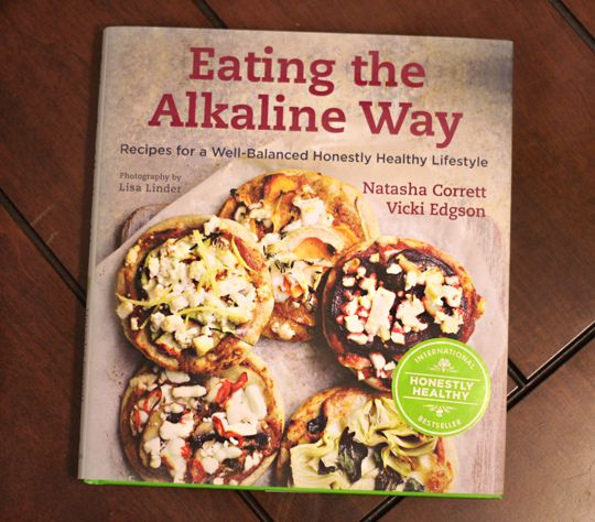 50 alkaline recipes with a full 14 Days Meal Plan that will boost your alkalinity and energy to an incredible level. Full-fledged variety including breakfast, lunch, juices, soups, salads and desserts.