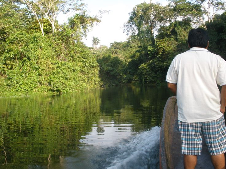 Feliciano leading us to our destiny, Bayano Lake, Panama... More info at: http://www.panoramio.com/photo/33093092