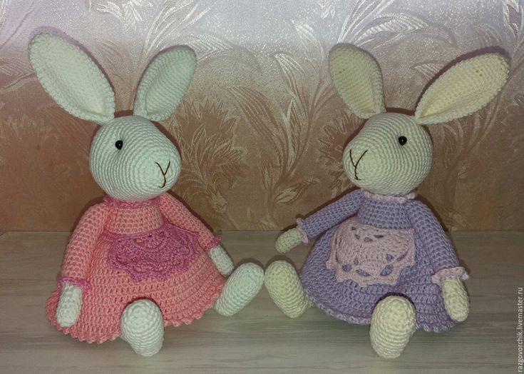 Купить Вязаные зайки хозяюшки - комбинированный, зайка, зайки, зайцы, зайчики, зайка в подарок