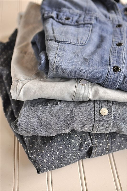 If you haven't received the memo, a chambray is one of the coolest must-haves for collegiettes. Wait, a cham-what? We're talking about those fabulous denim button-ups worn by fashionistas like Ashley Greene and Alexa Chung.