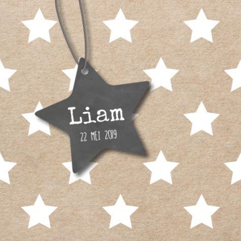 LOVZ | Hip geboortekaartje voor een jongen met sterren en kraft look en een hart hanger met een krijtbordprint! Super stoer...