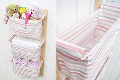 Tante idee per creare simpatici e utili portaoggetti di stoffa da appendere.Utili per arredare e tenere in ordine la cameretta