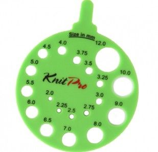 KNITPRORound View Sizer for identifying needle sizes – Comes in Green (Envy) or White (Ivy) – Used for measuring needles2mm to 12mm (US-0 to US-17)