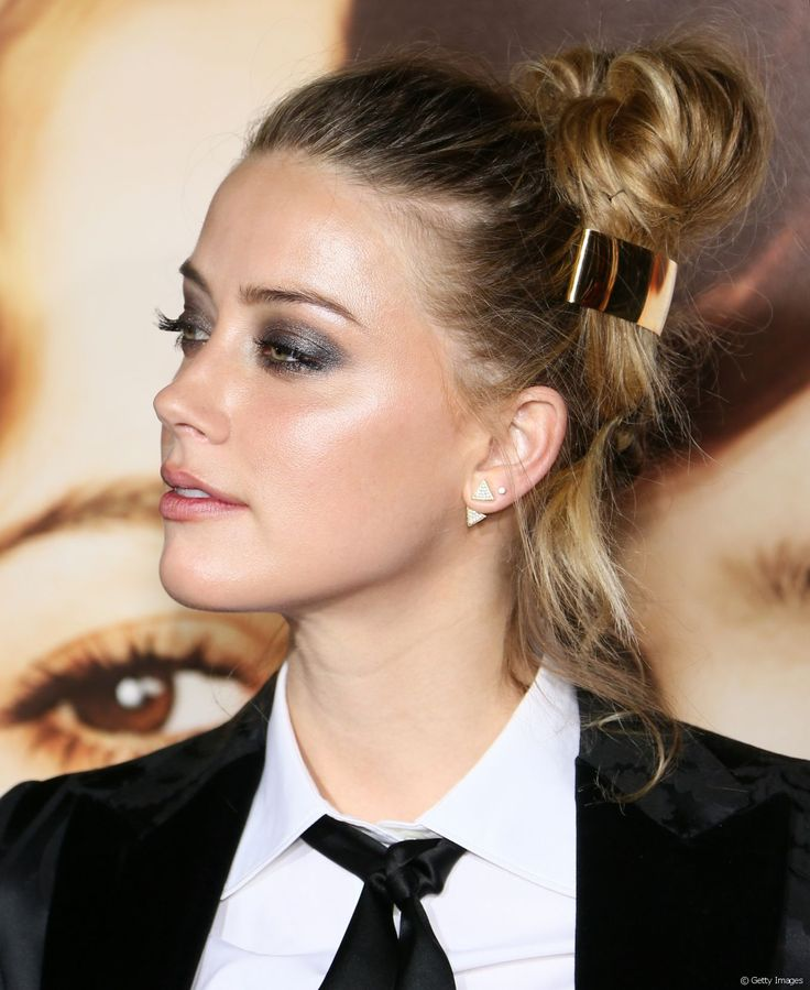 Le  pun  haut et accesoirisé de Amber Heard