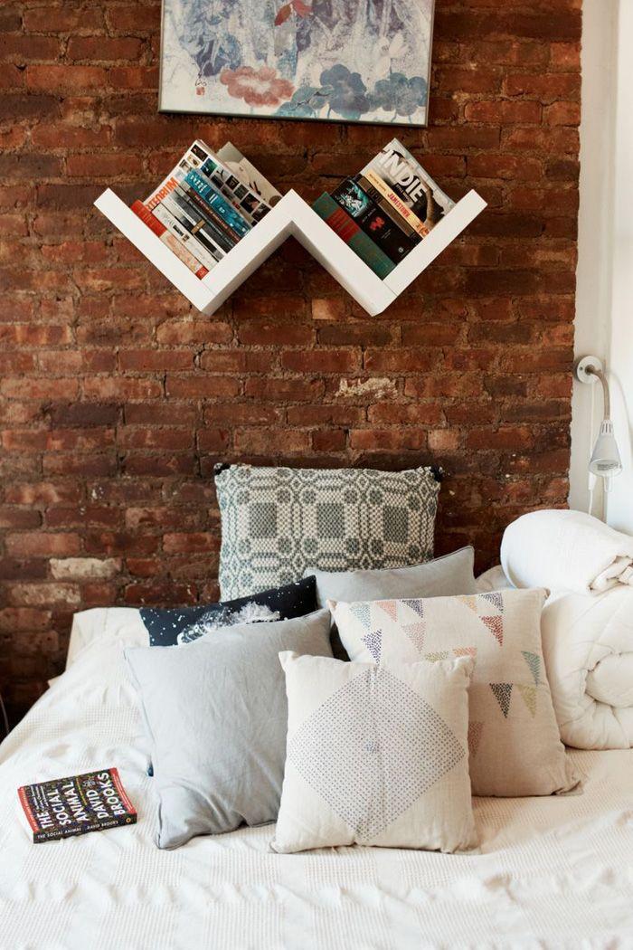 Modern Hepburn: Bookshelves, Home Decor Ideas, Brick Wall, Books Shelves, Interiors Design, Bedrooms, House, Expo Brick, Pillows
