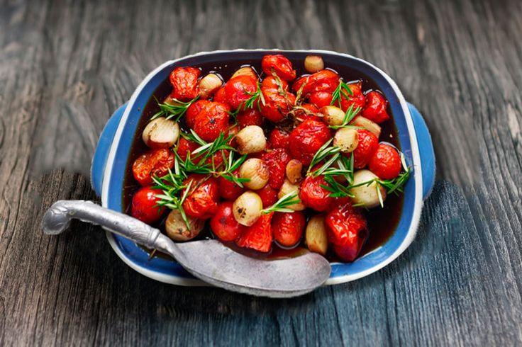 Bagt tomatsalatmed balsamico