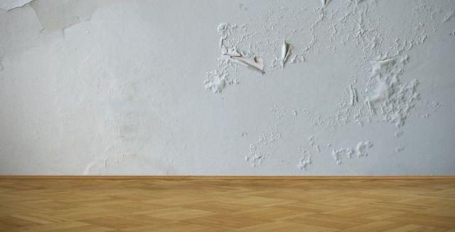 Lokálně zašpiněná či poničená zeď se dá snadno opravit.