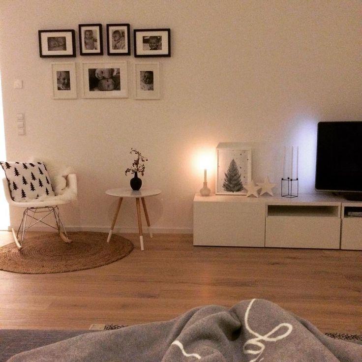 Einen schönen Abend euch allen! Wir haben bis jetzt wieder nur Sachen fürs Haus gemacht 💪🏼 Jetzt ist noch Couching angesagt 😬😉 (ps: Sideboard und Fernseher sollen noch an die Wand!! 😄) #couching #entspannen #wohnzimmer #livingroom #whiteinterior #whiteliving #minimalism #whiteandwood #interior #interior4all #nordicinterior #scandicinterior #nordichome #scandihome #nordicinspiration #nordicinspo #blackandwhite #neueszuhause #newhome #solebich