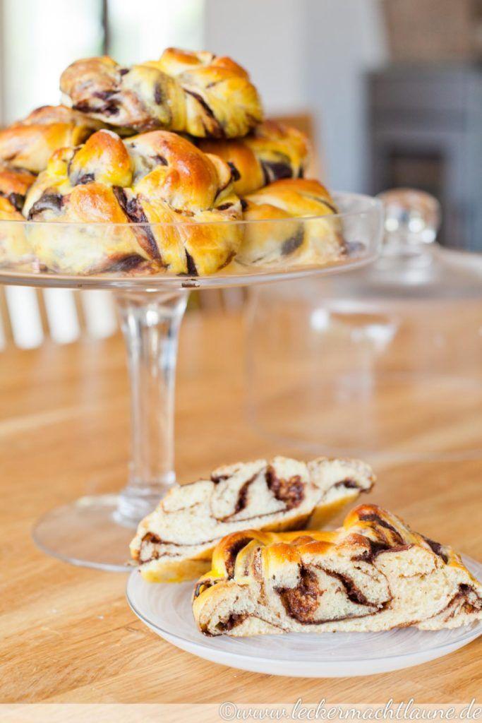 Hefeknoten mit Schoko-Pudding | lecker macht laune