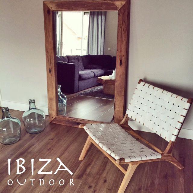 leuke foto ontvangen van Jeanette met in haar woonkamer de ushuaia vintage lounge stoel en robuuste spiegel, erg leuk! bij interesse mail naar ibizaoutdoor@gmail.com ook voor een afspraak in de loods.