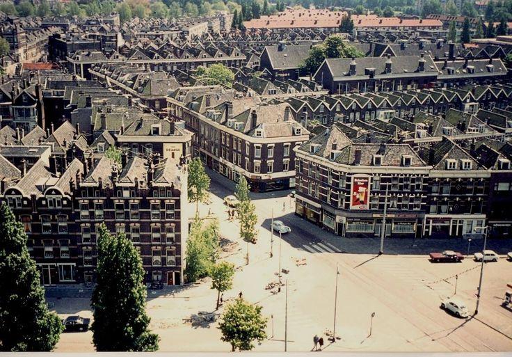 Uitzichten vanaf de Koninginnekerk. Goudserijweg 1971 met Vredenoorkade, Wollefoppenstraat en Sophiakade