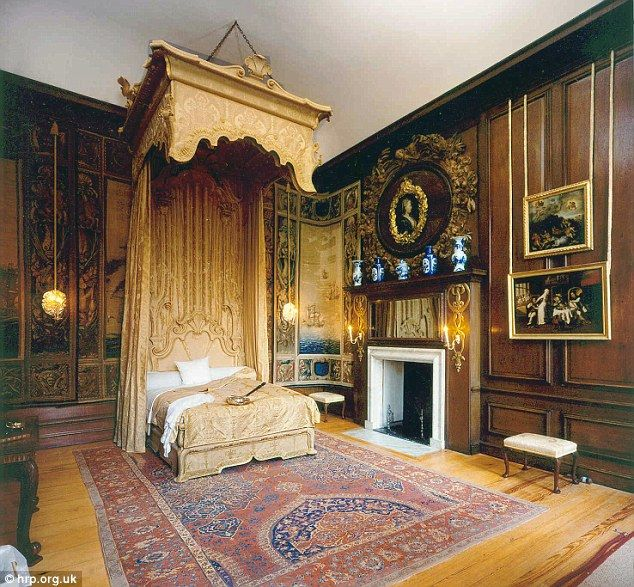 What REALLY goes on inside the Royal bedroom? The late