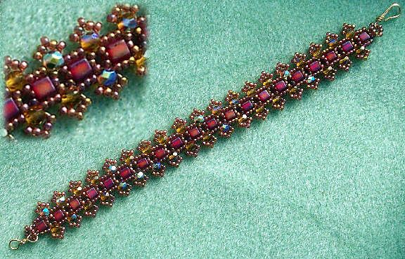 This tutorial is called Daisy bracelet.  This site has many nice free tutorials.  #seed #bead #tutorial