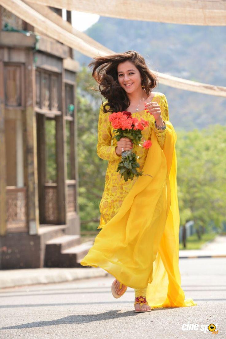 Actress Priyal Gor photos (24)