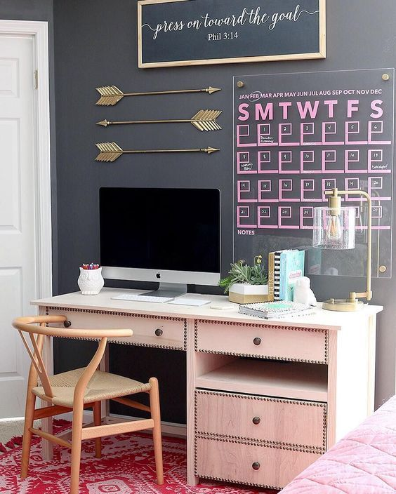 Get organized this year! Redesign your home office and learn how to