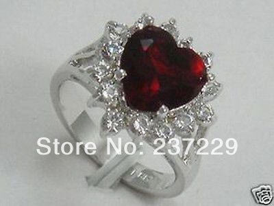FREE SHIPPING>Shiny Small Crystal Inlay Dark Red Peach Heart Guard Silver Cocktail Women Rings