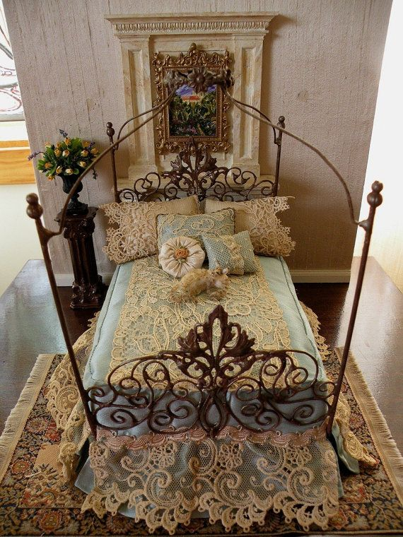 Exceptional Dollhouse Miniature 112 Scale Artisan Made Doll House Bed Or Bedroom.