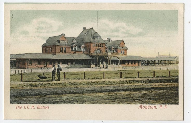 Old Postcard 1906 I.C.R Railway Station Moncton New Brunswick    -  Château Style Architecture
