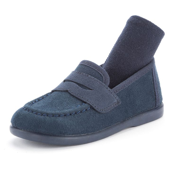 Combinación de de mocasín y calcetín azul de Pisamonas.