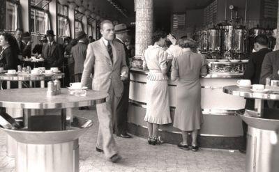 Amsterdam Cafe, August 1938, Anonymous Tavlor, Glicée & Canvas från Easyart.se