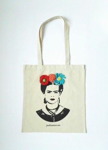 Una bolsa con mucho arte. Bolsa Frida Khalo en serigrafía y crochet. Hecha por Puntoamano .