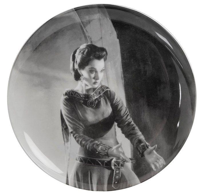 Angus McBean Plate - Olivier | Shop | Royal Shakespeare Company