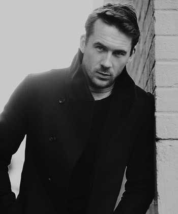 Revenge Star, Barry Sloane - sexiest British accent going