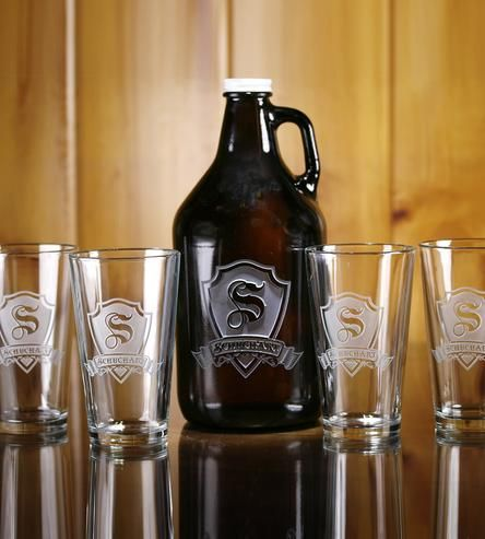 Lovely growler and glasses set.