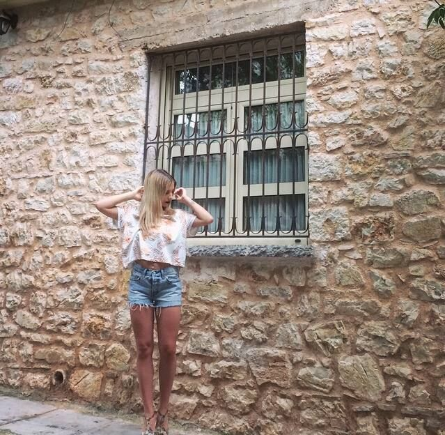 Happy Girl in Levis 501 Denim Shorts and Lee Jeans Top. Buy Lee Online: http://ift.tt/1XrJQia  Levis E shop Link: http://ift.tt/20FxPnx In store: Zigomalli 1 45332 Ioannina Greece. Phone Info: 30 26510 64634 #DenimLounge streetwear for #UrbanSlackers. - http://ift.tt/1OctV4n #denimlounge #jeans #sneakers #accessories online shop located in #Ioannina #Greece