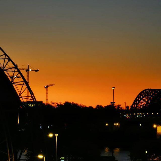 Wie Immer Das Schonste Nach Der Nachtschicht Der Sonnenaufgang Thisiscologne Sunrise Hbf Rhein P30pro Instagram Celestial Outdoor