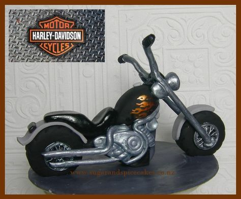 Harley Davidson Chopper Designer cakes, cupcakes and sugarcraft by Mel SugarMama in Auckland http://www.sugarandspicecakes.co.nz